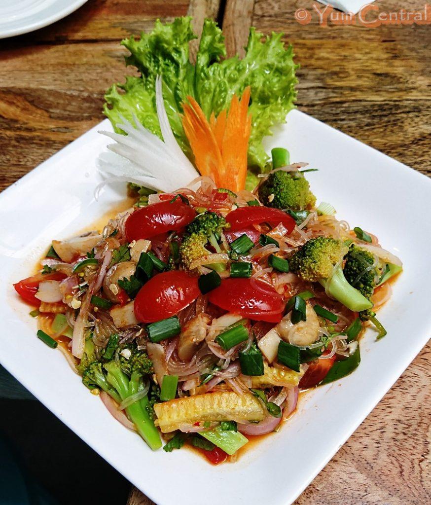 Yum Woon Sen Salad